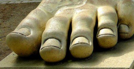 olio essenziale di lavanda contro il fungo del piede